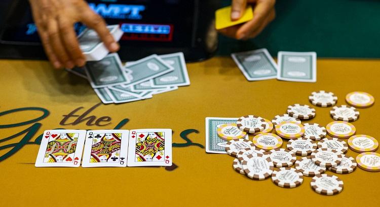 Poker Bet Bluff Pre-Flop